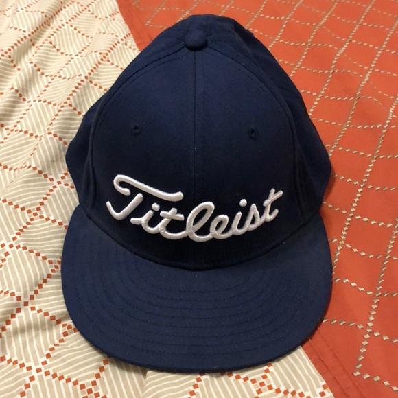 37e361e8ff0 Titleist Navy Blue Golf Hat. M 5bf227f21b329407769be1e4